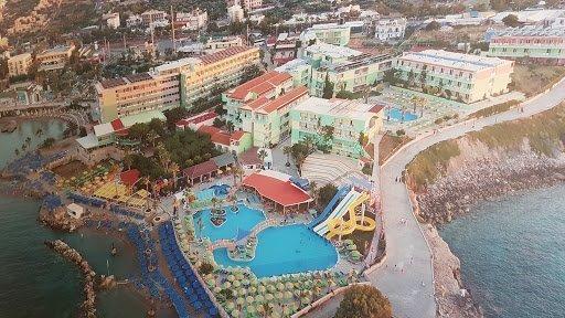 star_beach_village_water_Park_1